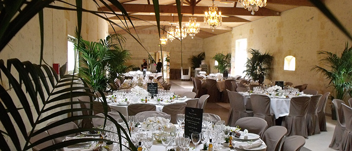 location grande salle de mariage fronsac pomerol libourne saint emilion. Black Bedroom Furniture Sets. Home Design Ideas